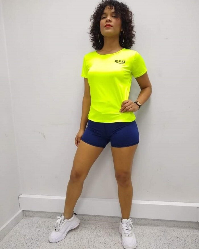 blusa amarillo neon